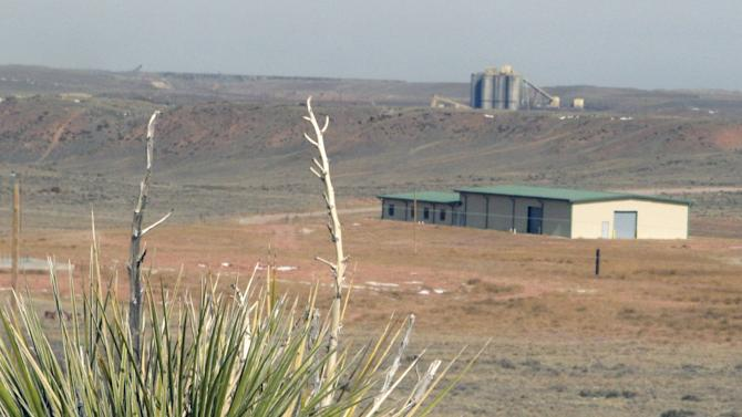 Council OK's extension for long-delayed Wyo. plant