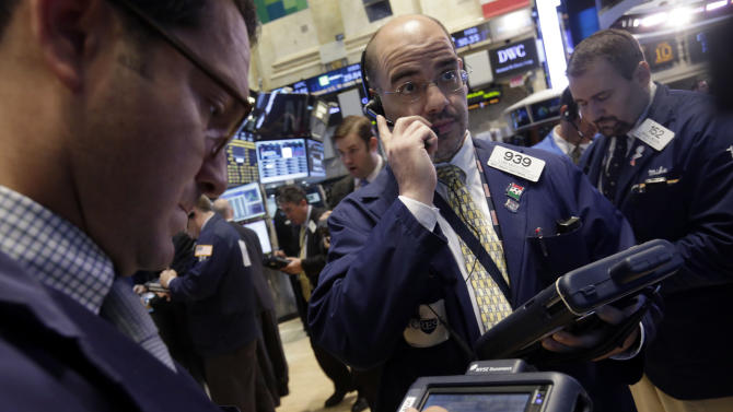 Investors unimpressed by S&P's brighter US outlook
