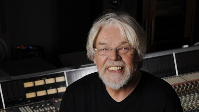 Singer Bob Seger poses for a portrait in a Capitol Records studio on Thursday, Oct. 16, 2014, in Los Angeles. (Photo by Chris Pizzello/Invision/AP)