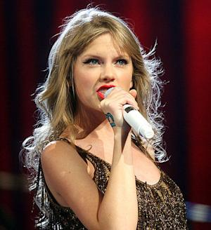 'The View': To marry or not to marry with a side of Taylor Swift
