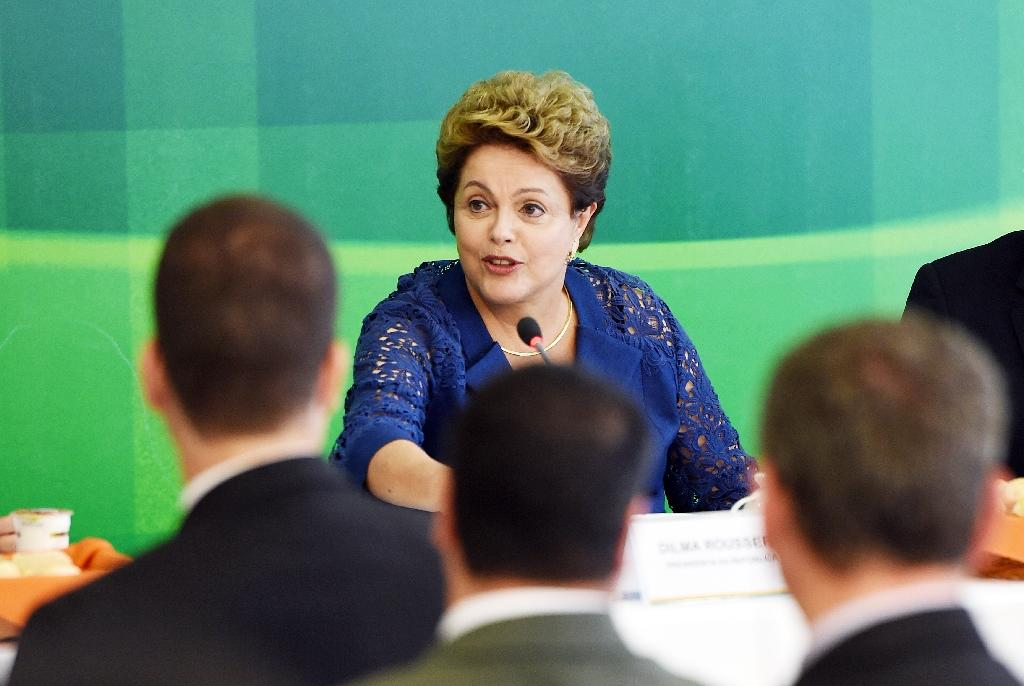 Brazil's president to shake up Petrobras but keep CEO