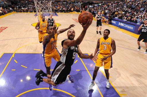 Spurs rout Lakers, improve spot atop West