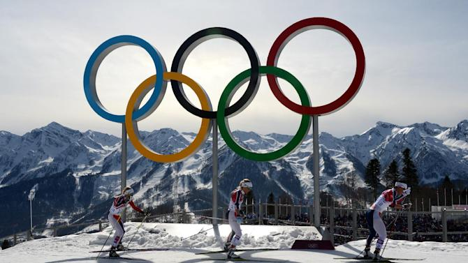 The Ukrainian city of Lviv has pulled out of the race to host the 2022 Winter Olympics due to the country's raging crisis, the International Olympic Committee (IOC) said