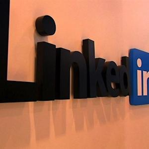 How LinkedIn can help students get into college