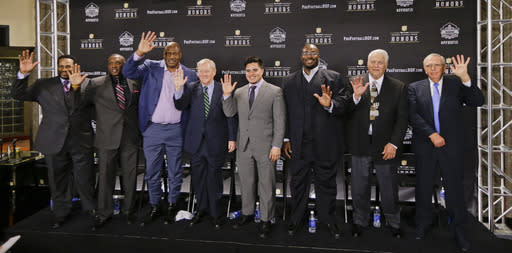 Sons represent late Junior Seau at Hall of Fame announcement