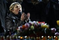 Ukrainian opposition leader Yulia Tymoshenko addresses anti-government protesters gathered in the Independence Square in Kiev February 22, 2014. REUTERS/Yannis Behrakis