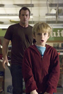 Thomas Jane and Nathan Gamble in Dimension Films' Stephen King's The Mist