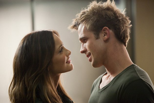 The Roommate 2011 Screen Gems Minka Kelly Cam Gigandet