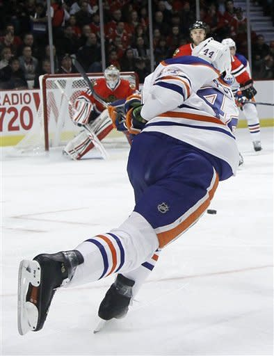 Oilers beat Blackhawks 4-3 to end 3-game slide