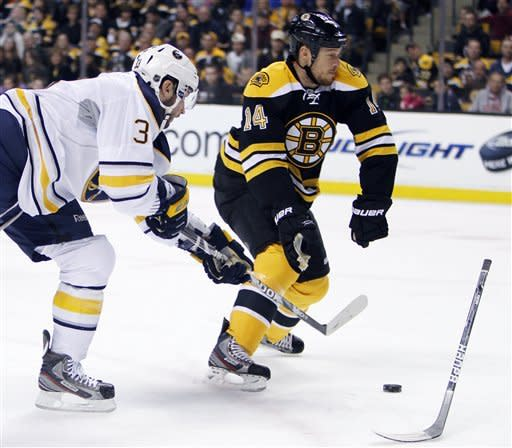 Bergeron leads Bruins to 4-3 win over Buffalo