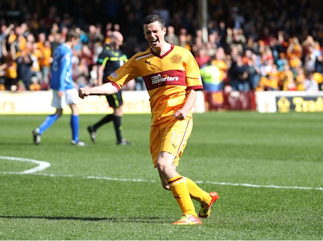 Jamie Murphy scored both goals for Motherwell as they beat Kilmarnock 2-1