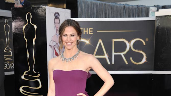 Actress Jennifer Garner arrives at the Oscars at the Dolby Theatre on Sunday Feb. 24, 2013, in Los Angeles. (Photo by John Shearer/Invision/AP)