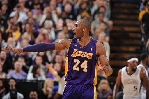 Kobe Bryant leads Lakers past Kings, 103-98