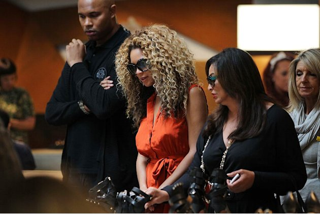 Beyonce Knowles Shopping Lndn