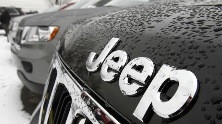 Chrysler posts 1st annual net profit since 1997