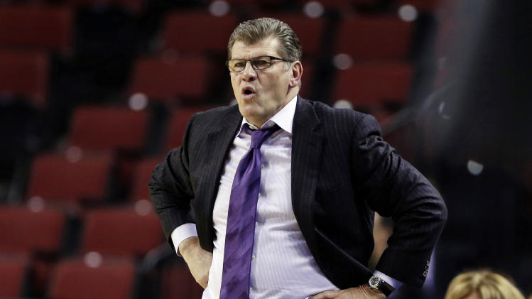 UConn's Calhoun, Auriemma there for Ollie