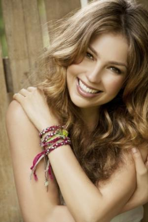 Macy's Signs Exclusive Deal for New Thalía Brand