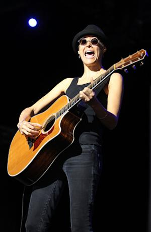 Michelle Shocked Stages Protest at Canceled Santa Cruz Show