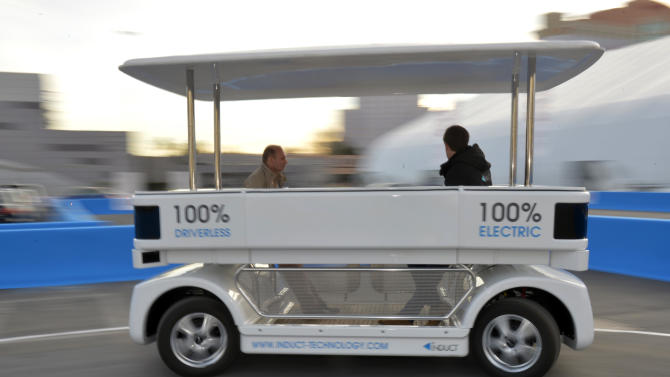 French company demos driverless shuttle at CES