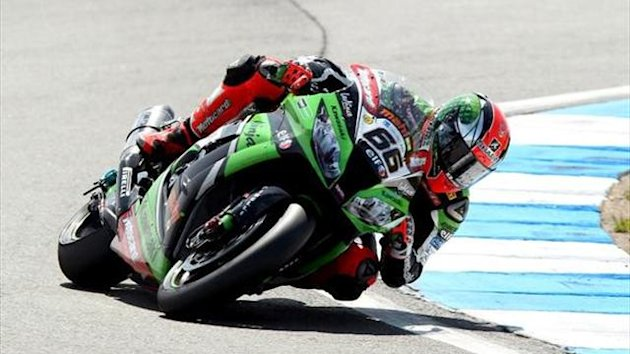 Donington WSBK: Sykes eases to race one victory