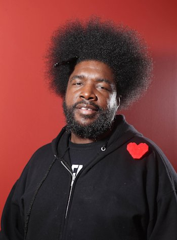 FILE - In this Dec. 8, 2011 file photo, musician Questlove from the band The Roots, poses for a portrait, in New York. Whoopi Goldberg teams up in October 2012 with celebrity chef, Art Smith, with help on tunes from Questlove, to serve up a couple dozen inspired takes on one of America&#39;s favorite fried foods, chicken. The event is part of the fifth annual New York City Wine and Food Festival. (AP Photo/Carlo Allegri, File)