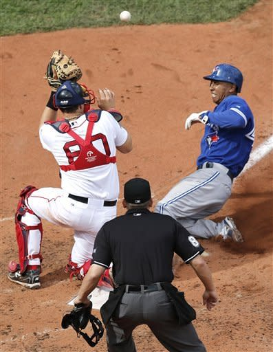 Vizquel SF in 9th lifts Blue Jays over Red Sox