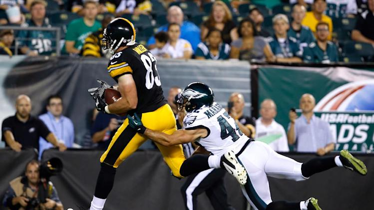 Pittsburgh Steelers' Heath Miller, left, pulls in a touchdown pass against Philadelphia Eagles' Chris Maragos during the second half of an NFL preseason football game, Thursday, Aug. 21, 2014, in Philadelphia