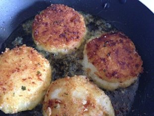 Croquettes pan frying