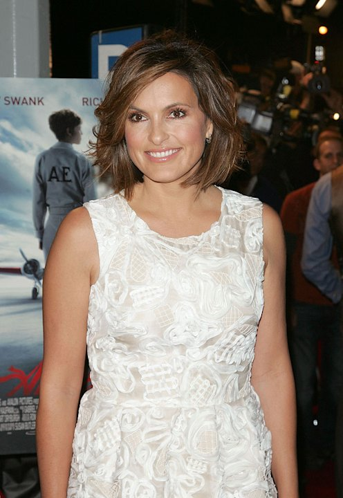 "Mariska Hargitay attends the premiere of ""Amelia"" at The Paris Theatre on October 20, 2009 in New York City."
