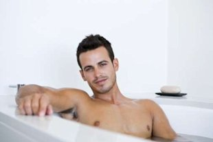 Having hot baths can significantly reduce male fertility