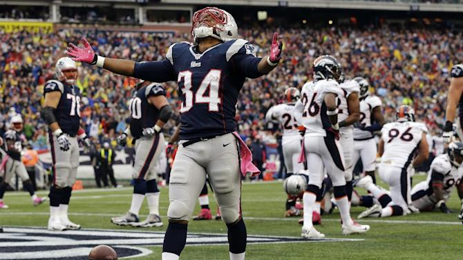 New England Patriots running back Shane Vereen (34) celebrates his touchdown against the Denver Broncos in the second quarter of an NFL football game, Sunday, Oct. 7, 2012, in Foxborough, Mass. (AP Photo/Elise Amendola)