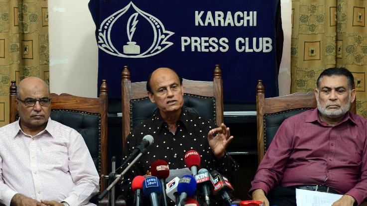 In this file photo, Pakistan's former Olympian field hockey player Islahuddin Siddiqui (C) speaks during a news conference in Karachi, on September 19, 2013