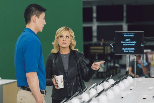 <p>               This undated image provided by Best Buy, shows Amy Poehler on the set of the Company's Super Bowl commercial. Best Buy Co. has enlisted actress and comedian Amy Poehler to get its brand message across in a humor-focused spot during the Super Bowl XLVII. (AP Photo/Best Buy)