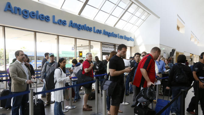 White House says it's open to fix on FAA furloughs