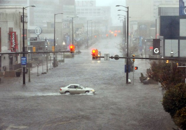 Flooding and high winds arrive along North Michigan Avenue in Atlantic City, N.J., Monday Oct. 29, 2012. Hurricane Sandy continued on its path Monday, as the storm forced the shutdown of mass transit,