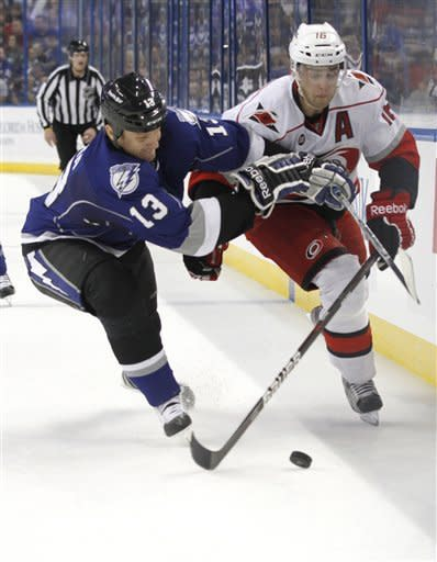 Stamkos, Lightning top Hurricanes, 5-2
