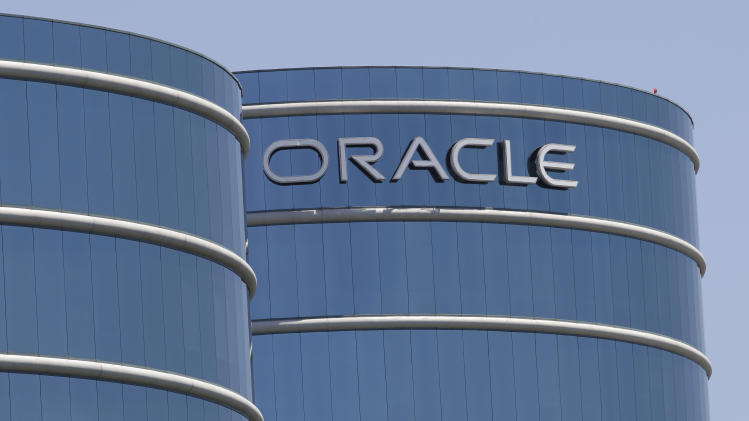 Oracle's 1Q earnings rise 11 pct despite sales dip