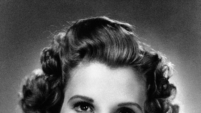 FILE - This 1942 file photo shows singer Patty Andrews, the last survivor of the three singing Andrews sisters, who has died in Los Angeles at age 94. Andrews died Wednesday, Jan. 30, 2013, at her home in suburban Northridge of natural causes, said family spokesman Alan Eichler.  (AP Photo, File)
