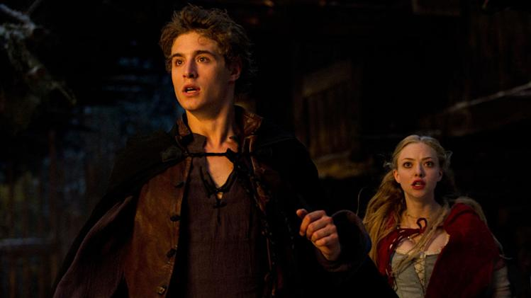Red Riding Hood Warner Bros. Pictures 2011 Shiloh Fernandez Amanda Seyfried