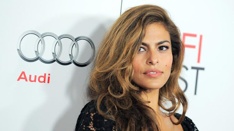 Eva Mendes eyes fashion opportunities
