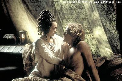 Jocelyn ( Shannyn Sossamon ) surprises her brave but battered knight ( Heath Ledger ) with a secret rendez-vous in the Columbia Pictures presentation, A Knight's Tale