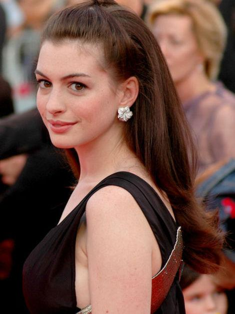 Anne Hathaway Gets Married - Other Celeb Wedding Celebrations This Weekend