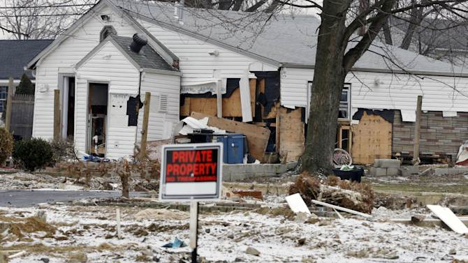 "A severely damaged home is seen Tuesday, Feb. 5, 2013, in Union Beach, N.J. New Jersey Gov. Christie told a gathering in Union Beach Tuesday that the National Flood Insurance Program's handling of claims in New Jersey ""has stunk,"" complaining that the program has been far too slow to resolve claims from Superstorm Sandy, with 70 percent of cases unresolved three months after the disaster. (AP Photo/Mel Evans)"