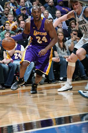 Lakers win 22nd straight against Wolves 120-117