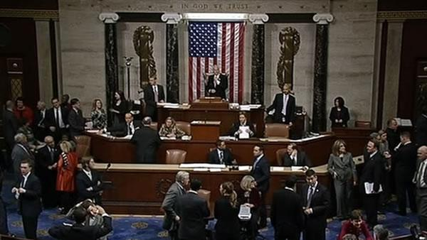 House passes 'fiscal cliff' bill, heads to Obama