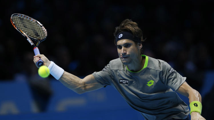 Nadal wins, Wawrinka advances to ATP Finals semis