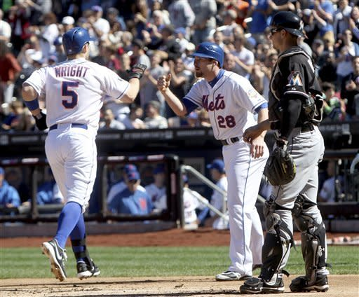 Tejada's single in 9th wins it for Mets 3-2