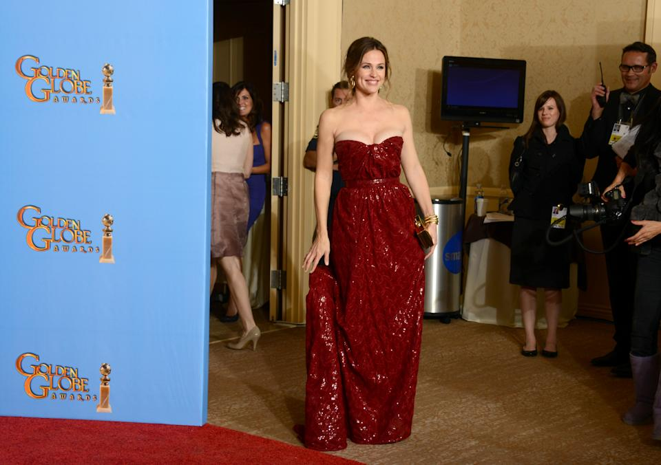 Jennifer Garner is seen backstage at the 70th Annual Golden Globe Awards at the Beverly Hilton Hotel on Sunday Jan. 13, 2013, in Beverly Hills, Calif. (Photo by Jordan Strauss/Invision/AP)