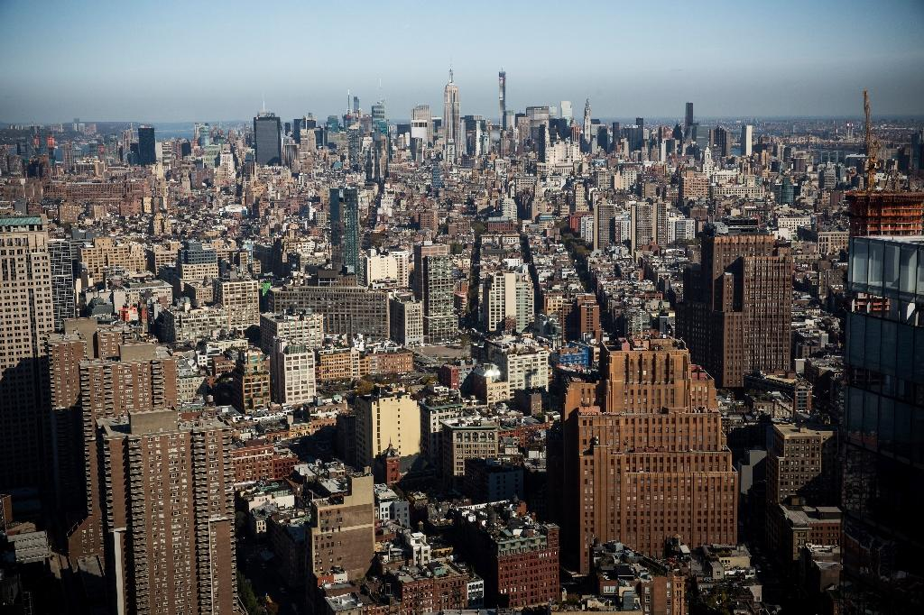 New Yorkers spend nearly 60% of income on rent