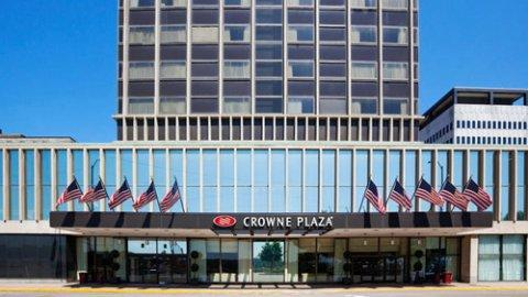 Graves Hospitality Corporation Announces the Management and Redevelopment of Two Major St. Paul Hotels